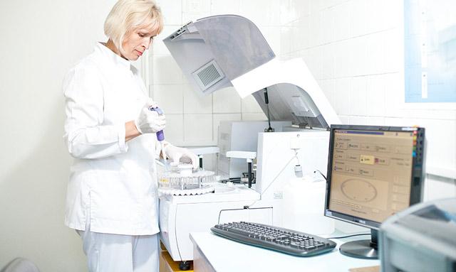 Бак посев: суть анализа, как сдавать, расшифровка, чувствительность к антибиотикам